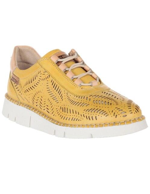 a1eec3e58 Zapato Pikolinos piel amarillo con diseño corte láser