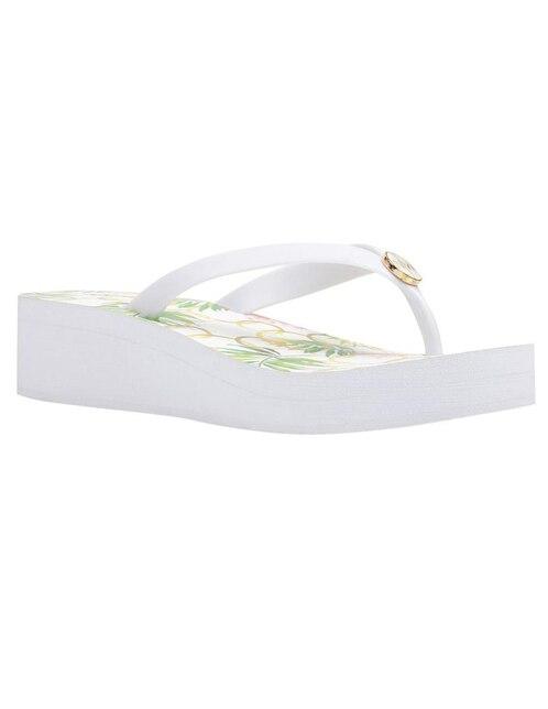 a36d45b66 Sandalia Nine West blanca con diseño floral
