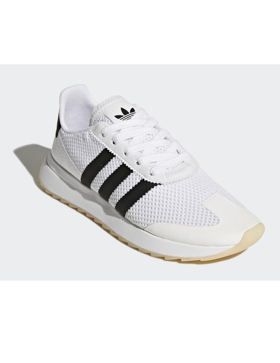 Tenis texturizado Adidas Originals blanco 251a59f1d5bd9