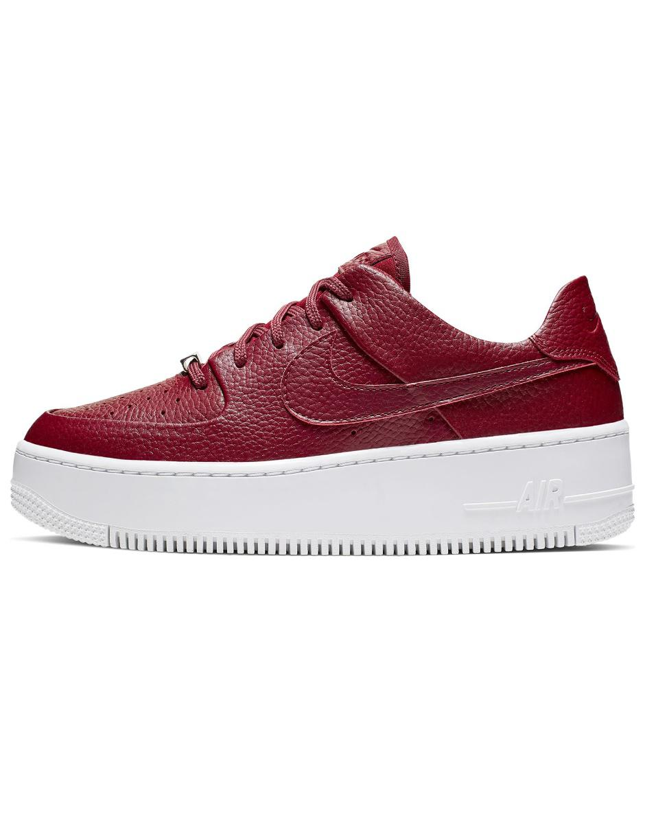 Tenis Nike Air Force 1 Sage Low piel rojo